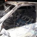 """Автомобилът на бургазлия избухна в пламъци пред блок в ж.к. """"Лазур"""""""