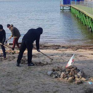 """Акция по скубане на трева се проведе на плажа в парк """"Росенец"""""""