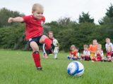 Деца и младежи до 18 години могат да спортуват на открито и на закрито