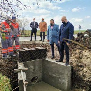 Кметът на Созопол инспектира ремонта на пътя между Росен и Равна гора
