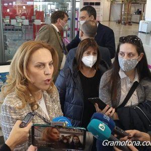 Министър Николова: Област Бургас дава прекрасни възможности за винен, бизнес и шопинг туризъм