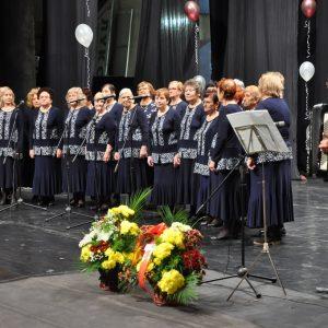 Община Бургас ще стимулира пенсионерските клубове с финансови средства за нови фолклорни носии