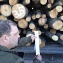 Шофьор опита да мами с дървесина, не му мина номерът